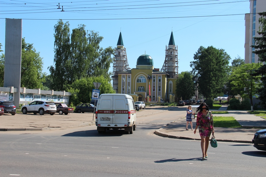 Власти после скандала разрешили достроить мечеть в Костроме
